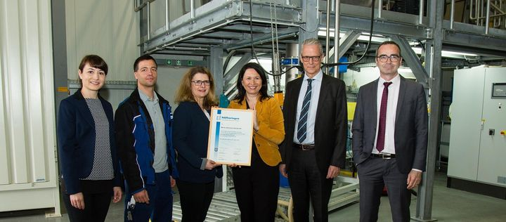 Thuringian Environmental Protection Certificate awarded to IBU-tec by the environment minister