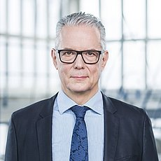 Ulrich Weitz is the CEO in the management group of IBU-tec.