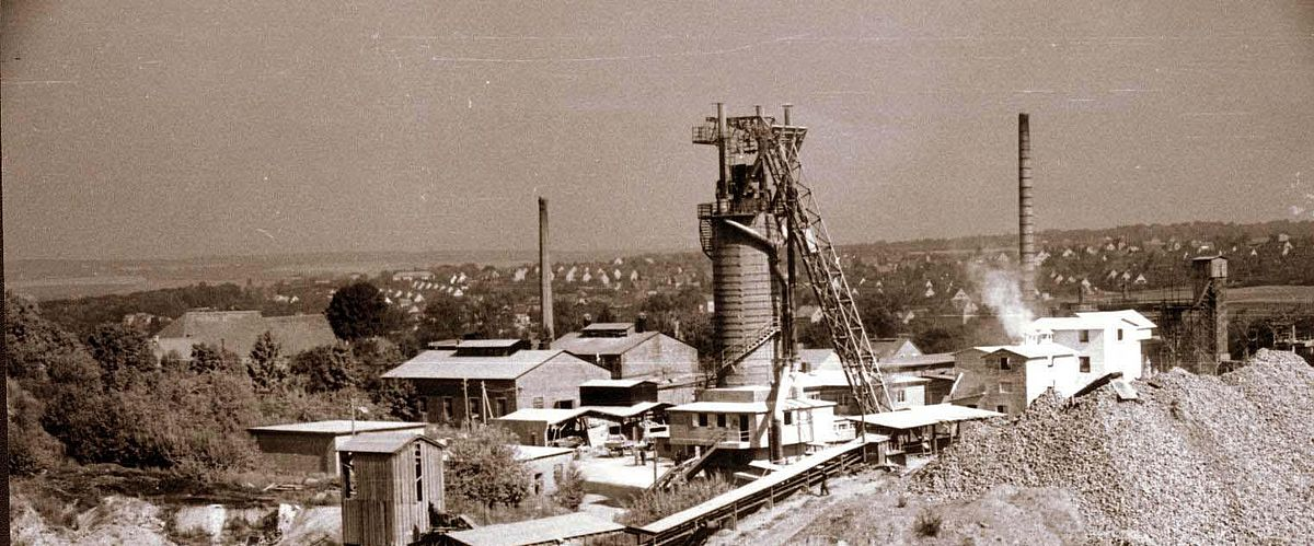 Lime works in Weimar Ehringsdorf with shaft kiln around 1950 after WW2